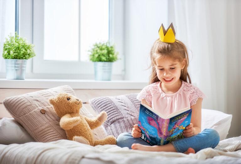czytadła dla dzieci, ksiązki dla starszych dzieci, pierwsz długie książki dla dzieci, powieści dla dzieci, gwiezdny zegar, harpercollins