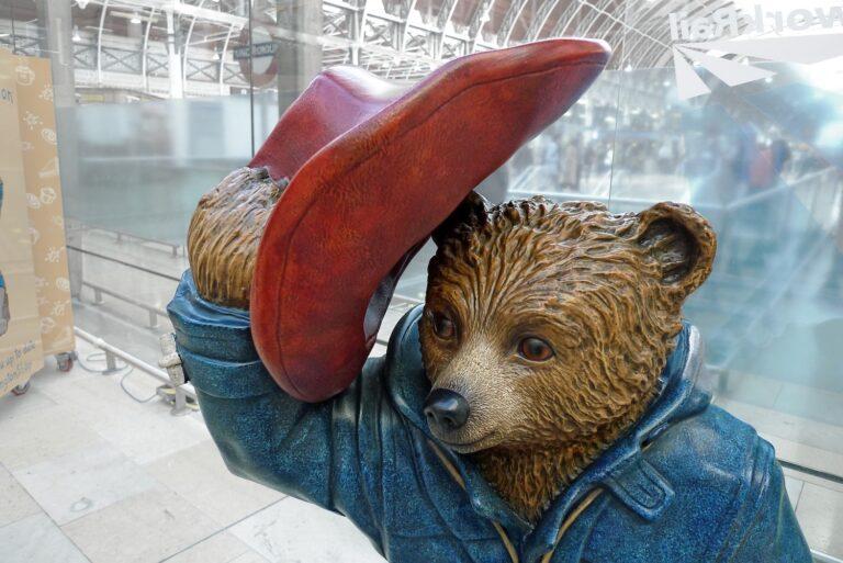 Przygody Misia Paddingtona, pomnik misia paddingtona