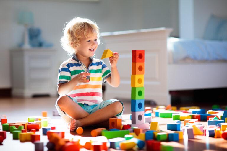 jak nauczyć dziecko rozróżniać kształty